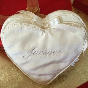 """HALLMARK """"FOREVER"""" DECORATIVE RING  PILLOW👰🤵 NWT"""
